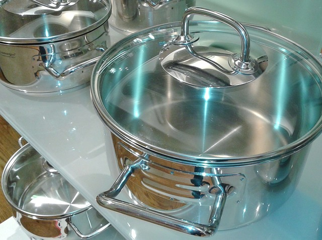 clean steel cooking pot