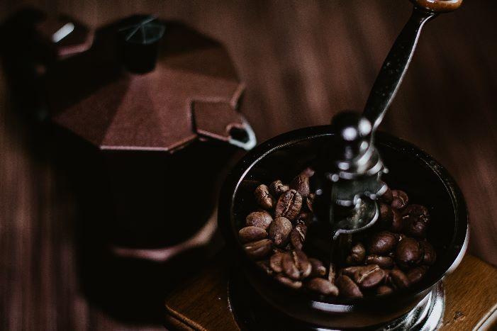 Coffee Grinder Guide – Burr vs Blade vs Manual Coffee Grinders 2020/2021
