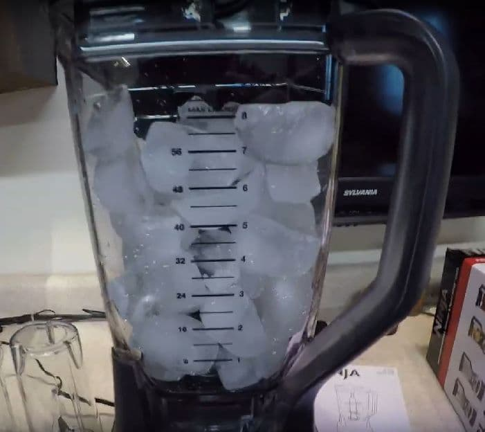 Best Blender For Crushing Ice Cubes