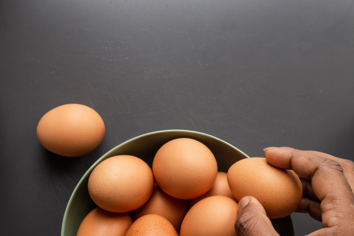 How To Peel Hard Boiled Eggs Without Destroying Them?